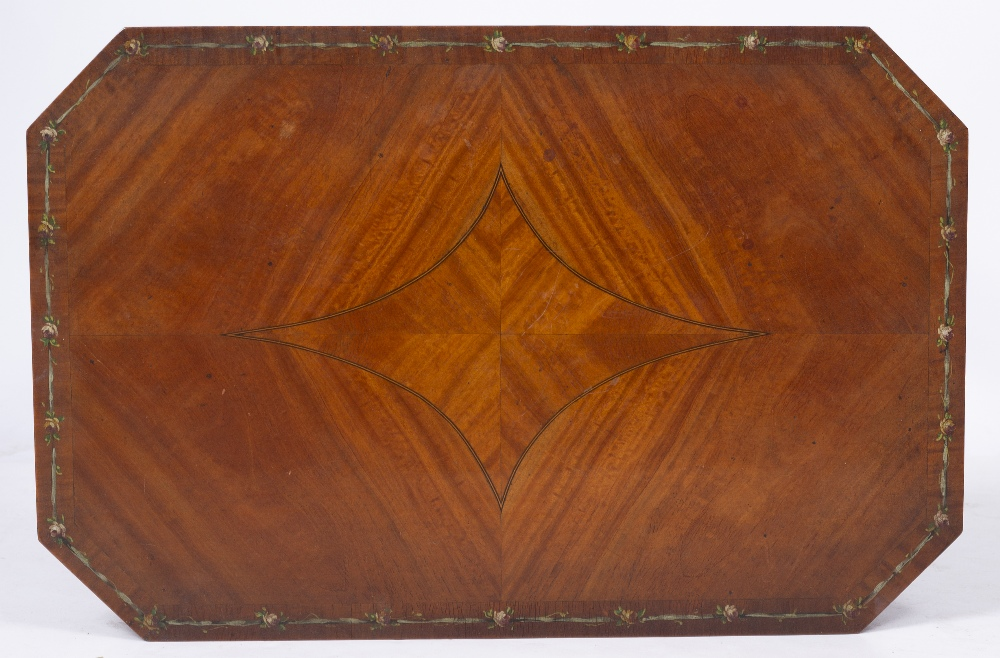 AN EDWARDIAN SATINWOOD OCCASIONAL TABLE, the rectangular top with canted corners and crossbanded - Image 7 of 8