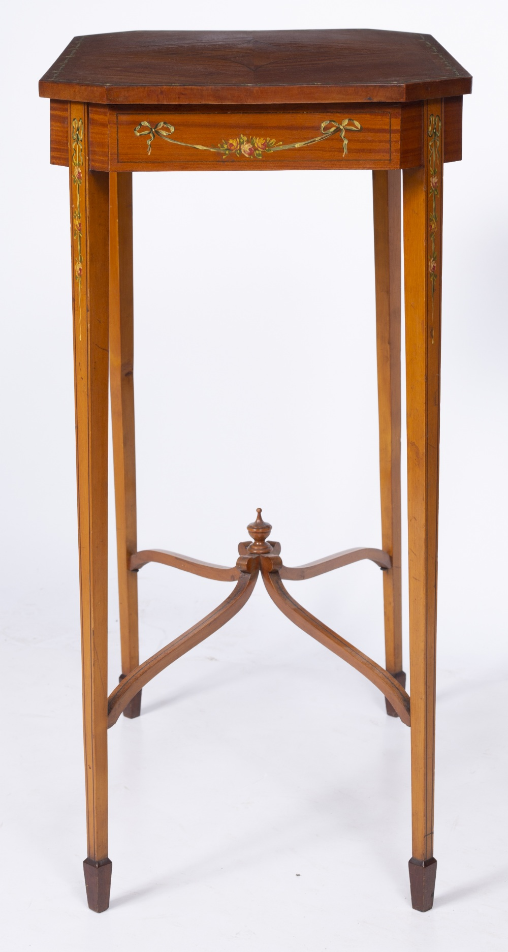 AN EDWARDIAN SATINWOOD OCCASIONAL TABLE, the rectangular top with canted corners and crossbanded - Image 4 of 8