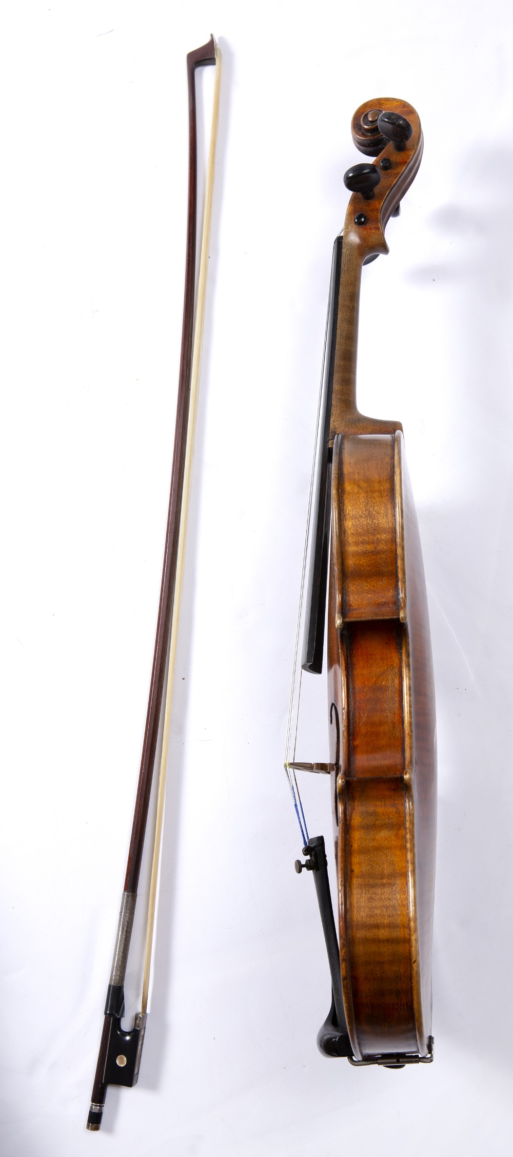 A LATE 19TH CENTURY GERMAN VIOLIN with two piece back, back length 36cm; with German bow, in - Image 3 of 4