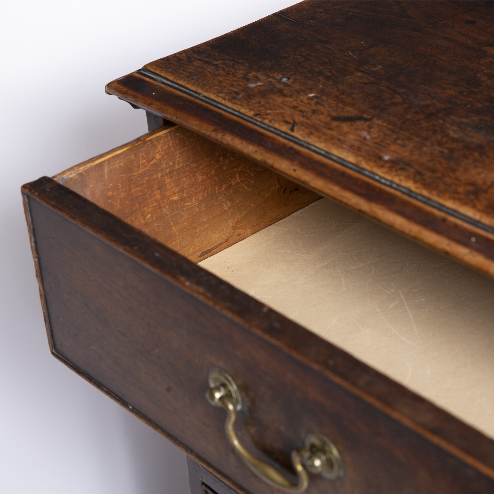 A GEORGE III MAHOGANY CHEST, the top with a moulded edge above four graduated long drawers, ogee - Image 6 of 6