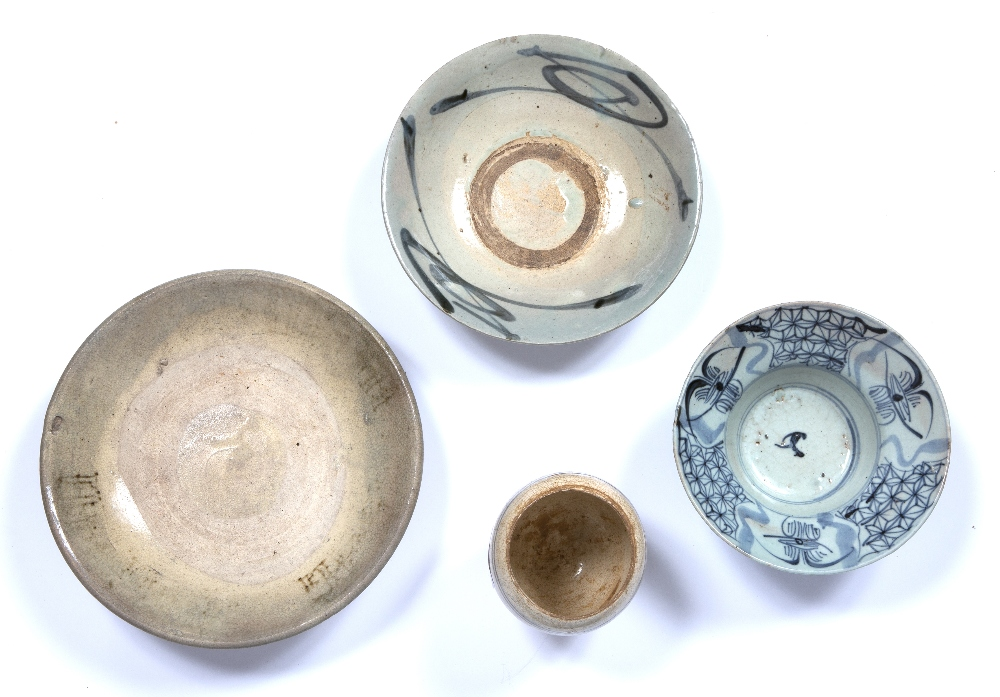Sawankhaloke pottery bowl Thailand 24cm, a similar smaller bowl, 20.5cm, a Vietnamese vase, 10cm and - Image 3 of 3