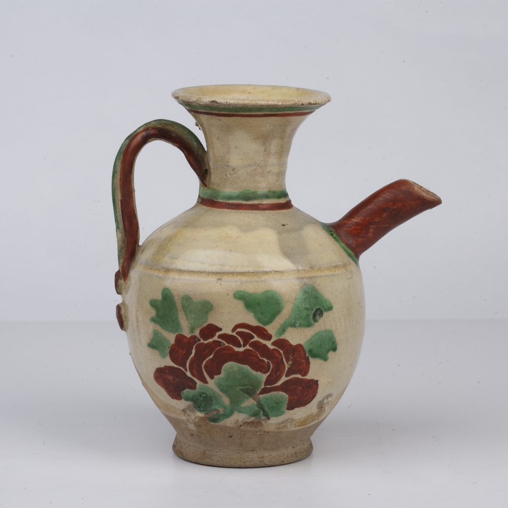White glazed ewer Chinese, Tang dynasty painted with a flowering plant to the body of the vase, - Image 2 of 4