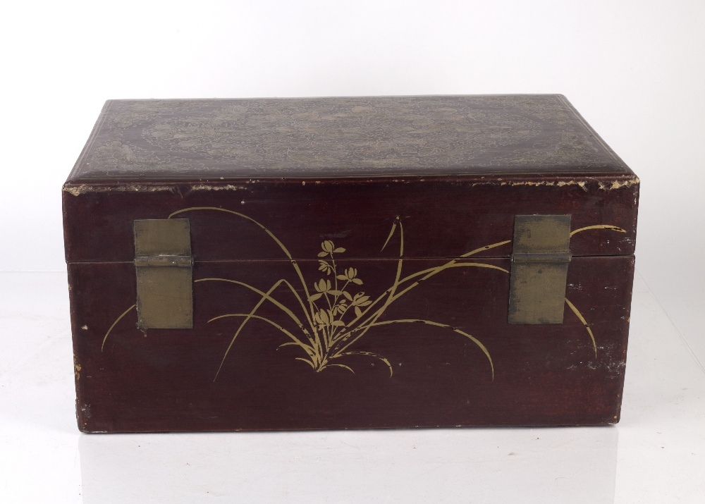 Export red lacquer box Chinese, 19th/20th Century densely decorated in gilt lacquer with butterflies - Image 4 of 6