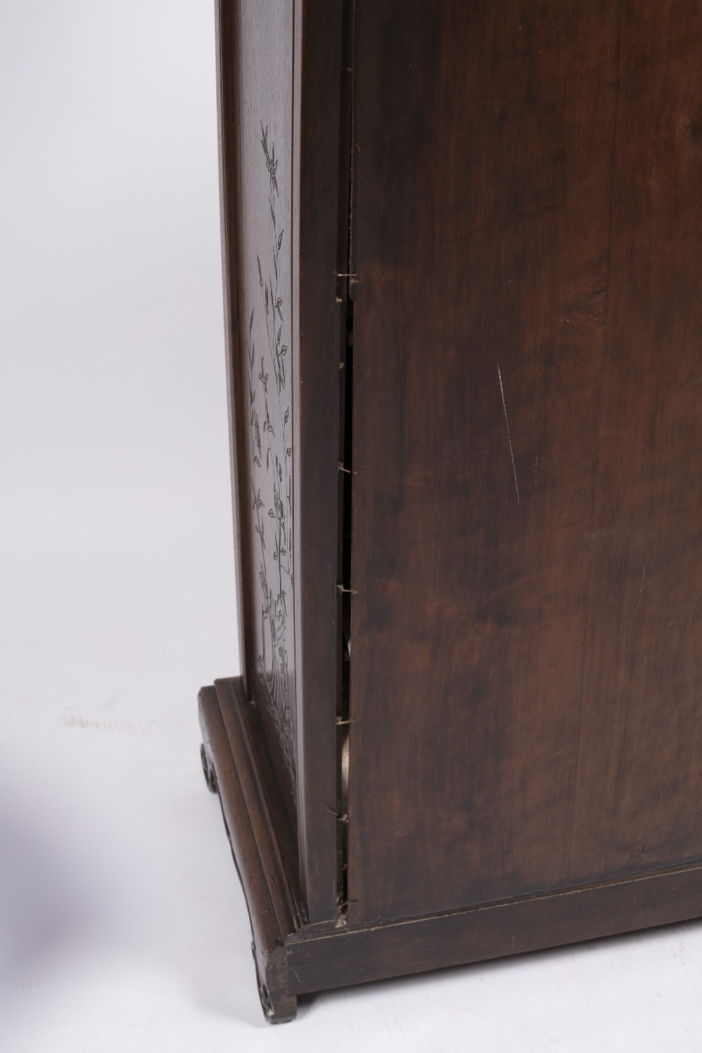 Inlaid hardwood cabinet Chinese, 19th Century with raised back inlaid with mother of pearl and - Image 4 of 5