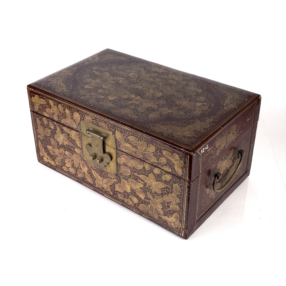 Export red lacquer box Chinese, 19th/20th Century densely decorated in gilt lacquer with butterflies - Image 3 of 6