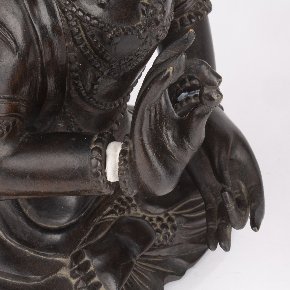 Carved hardwood figure of a dignitary Chinese dressed in formal robes, with long flowing hair, 35. - Image 4 of 5