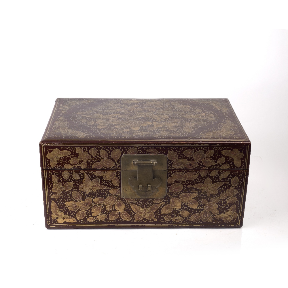 Export red lacquer box Chinese, 19th/20th Century densely decorated in gilt lacquer with butterflies - Image 2 of 6