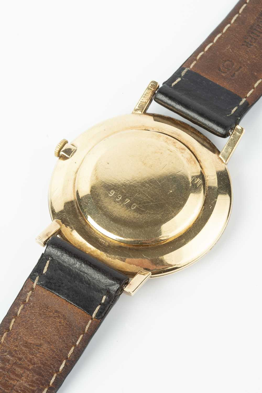 A gentleman's 9ct gold wristwatch by Jaeger-LeCoultre, the circular silvered dial with gilt baton - Image 2 of 5