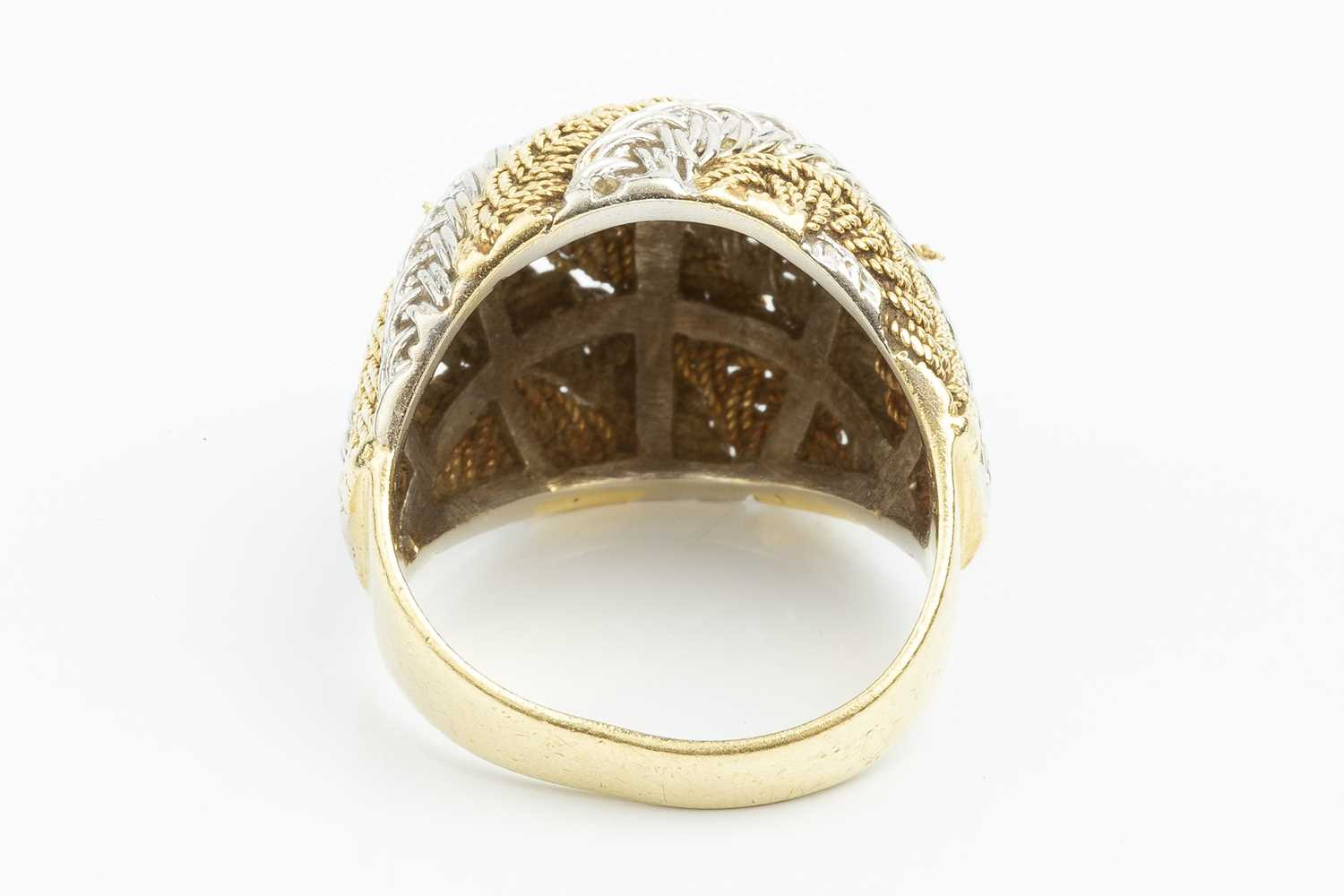 An 18ct two colour gold dress ring, of plaited and woven design, with London import marks, ring size - Image 3 of 3