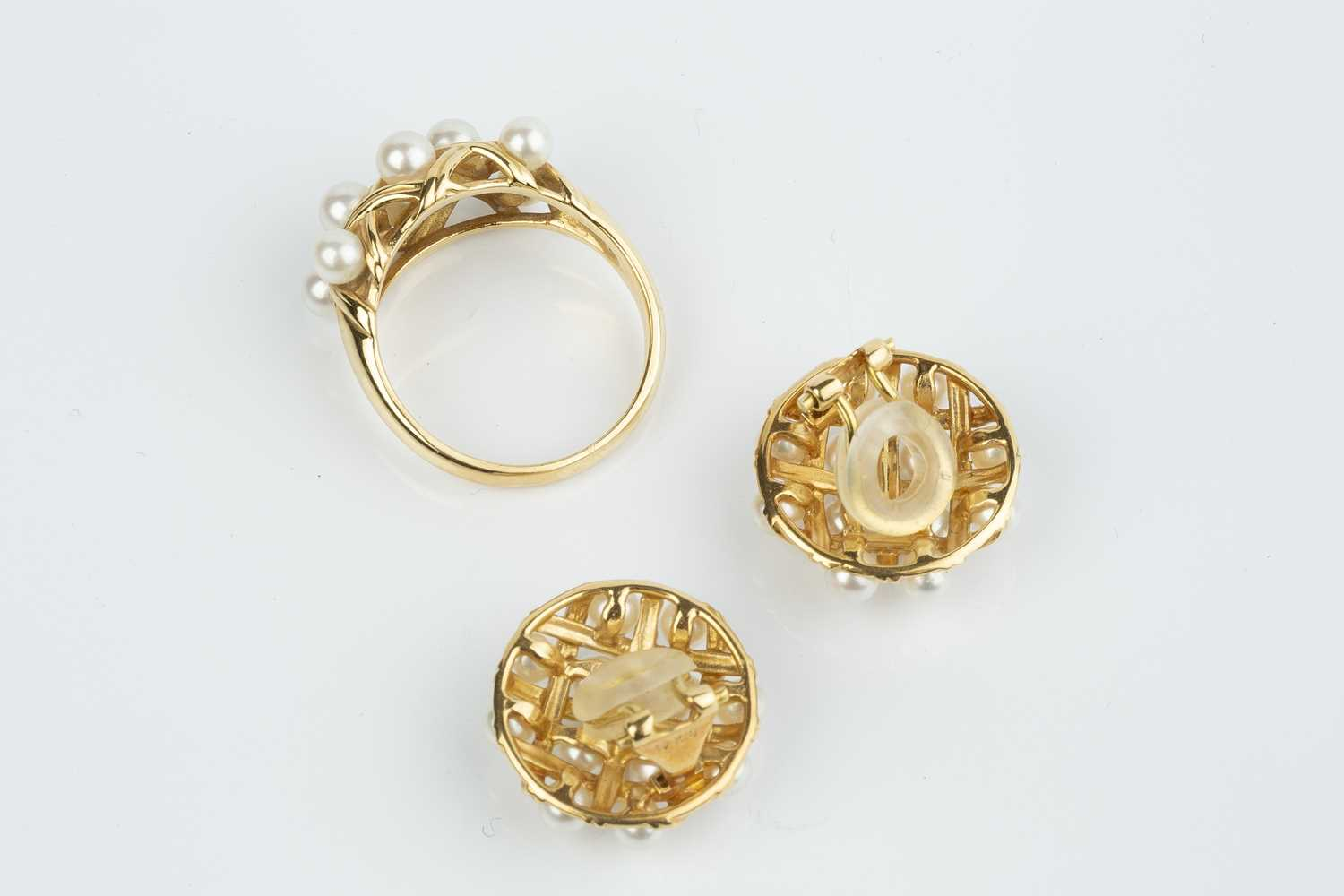 A cultured pearl ring and ear clips suite, each designed as a lattice-work panel, interspersed - Image 2 of 2