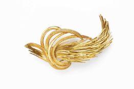 A yellow precious metal spray brooch, designed as a stylized wheatsheaf, of part textured