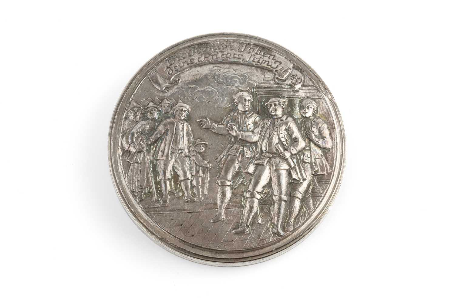 An 18th/19th century silver circular box, relief decorated to both sides with figures and - Image 3 of 4