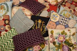 A collection of various needlework cushions (10)Condition report: In good condition overall