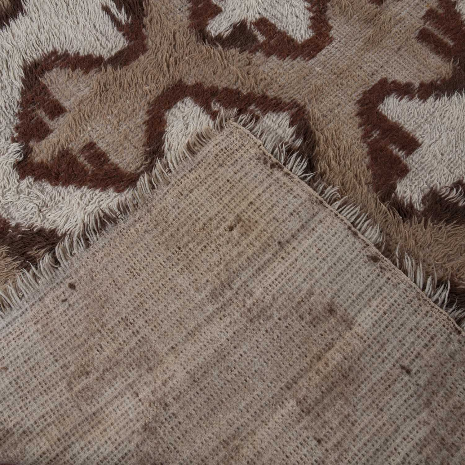 A Turkish shag-pile small carpet, white and brown dyes and stylised 'X' design, 252 x 175cm - Image 2 of 2