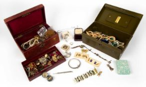 A miscellaneous collection of jewellery and costume jewellery to include a silver propelling pencil,