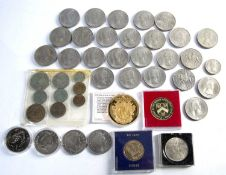 Collection of coins to include: Cased silver Queen Elizabeth II 80th Birthday five pound pair,