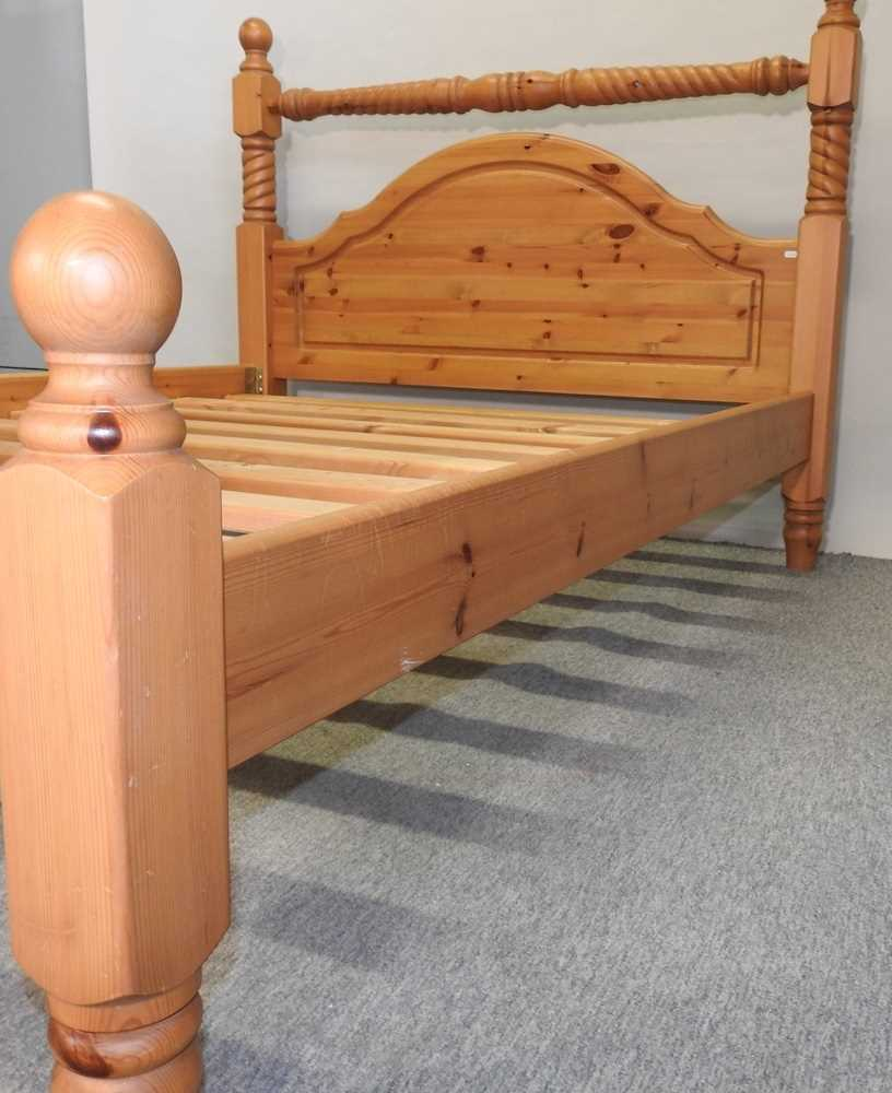 A modern pine double bedstead - Image 8 of 8