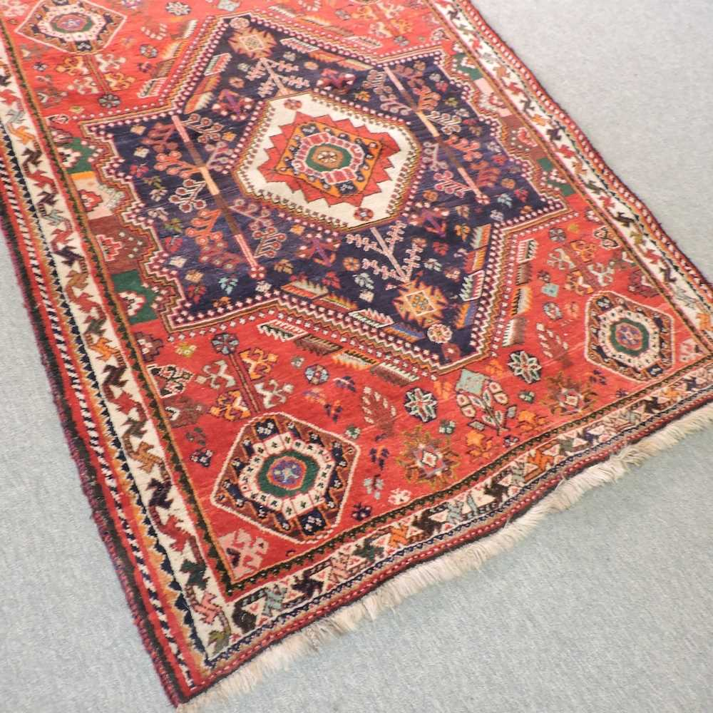 A Persian rug - Image 4 of 4