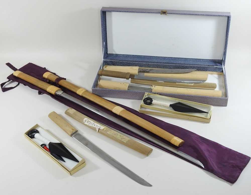 A mid 20th century Japanese short sword - Image 3 of 19