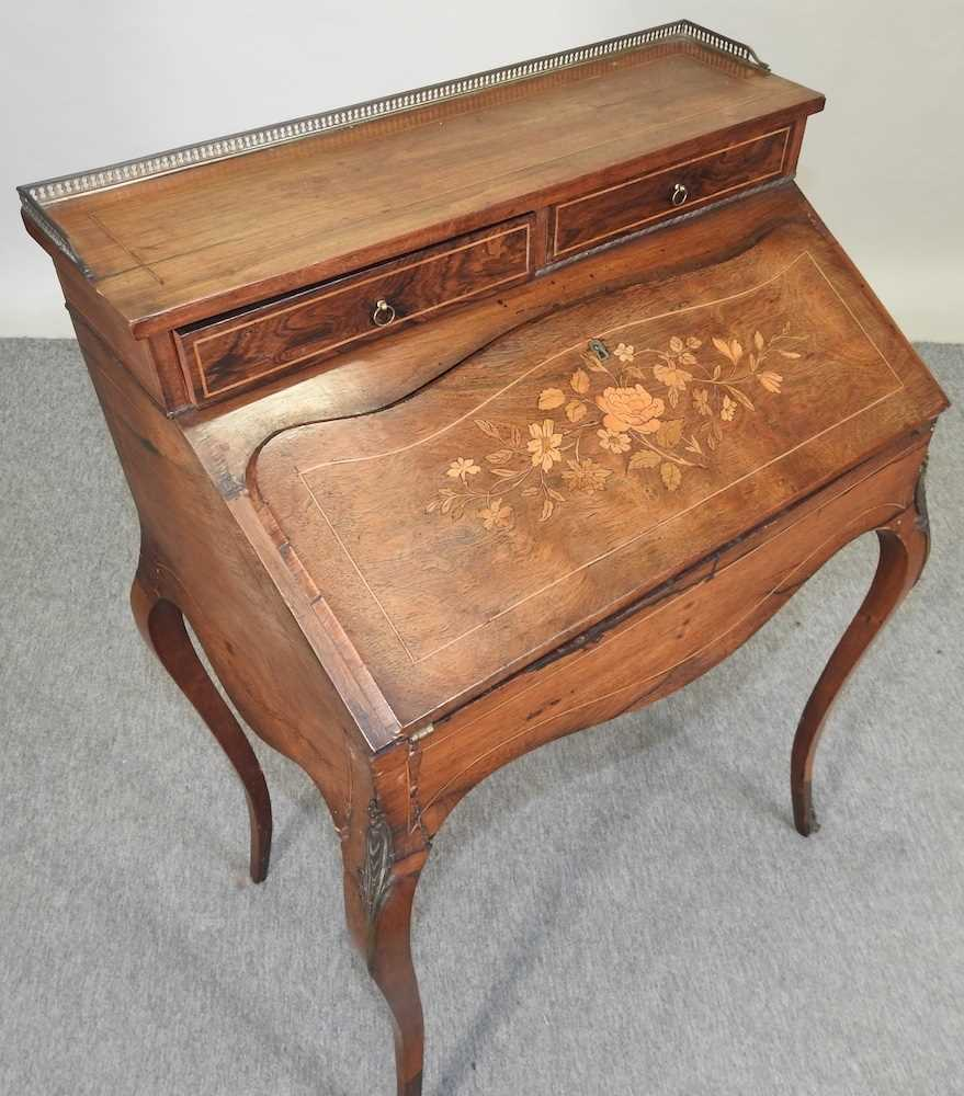 A late 19th century French style marquetry bureau de dame - Image 4 of 8