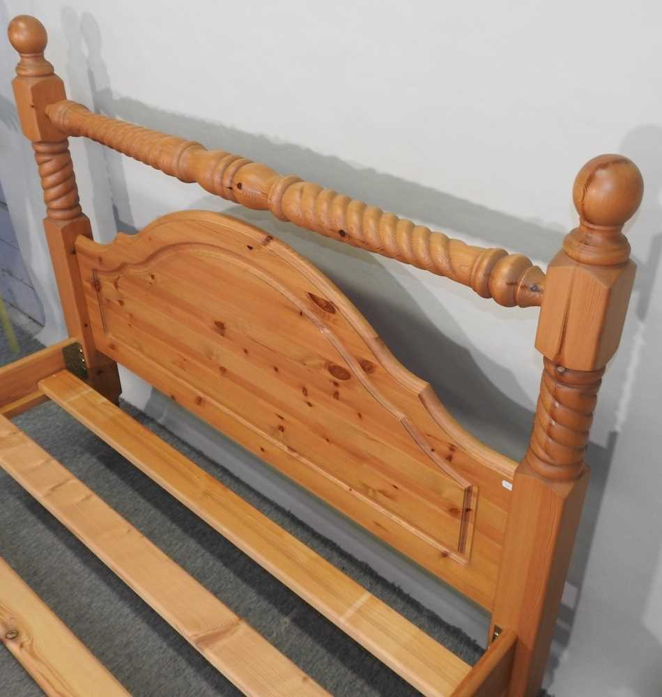 A modern pine double bedstead - Image 2 of 8