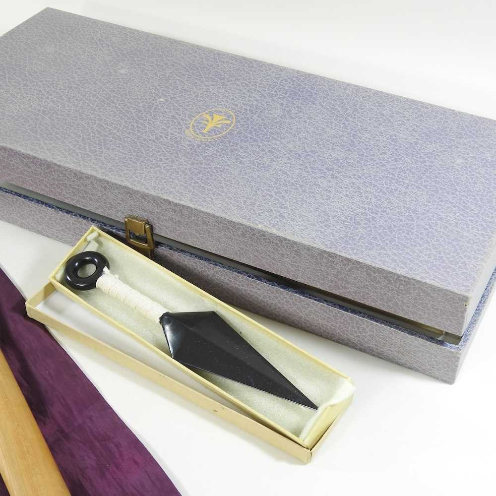 A mid 20th century Japanese short sword - Image 7 of 19