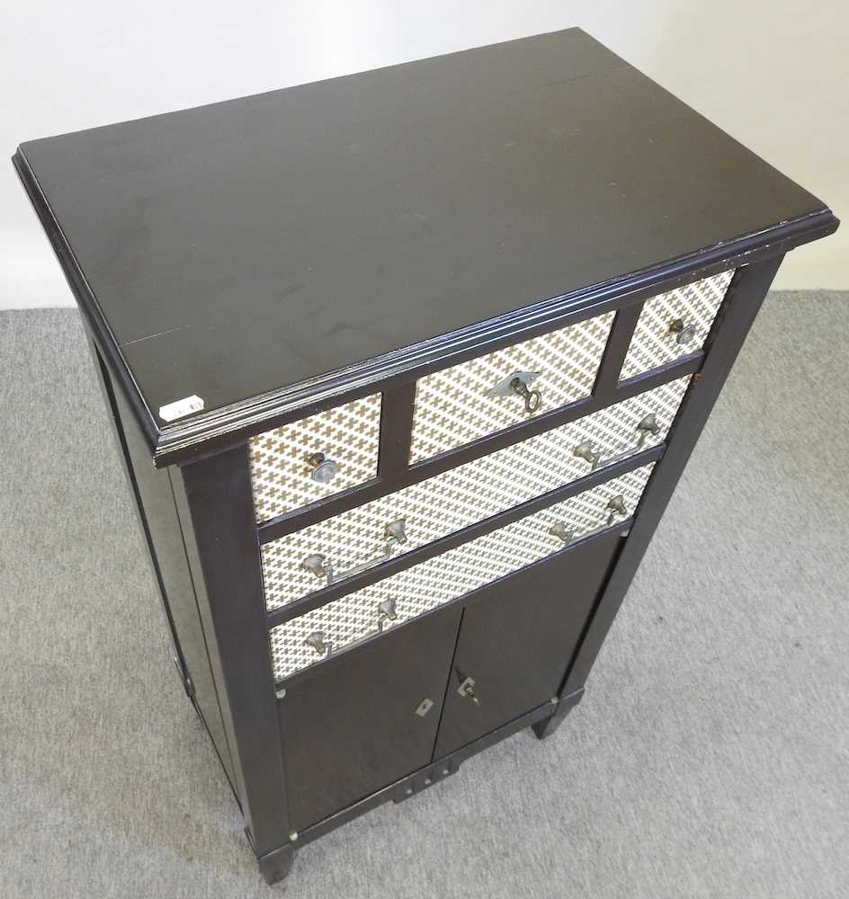 A modern black and white narrow cabinet - Image 3 of 6