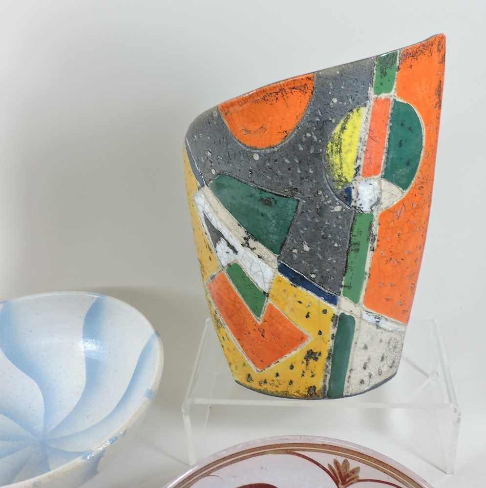 A collection of studio pottery - Image 4 of 5