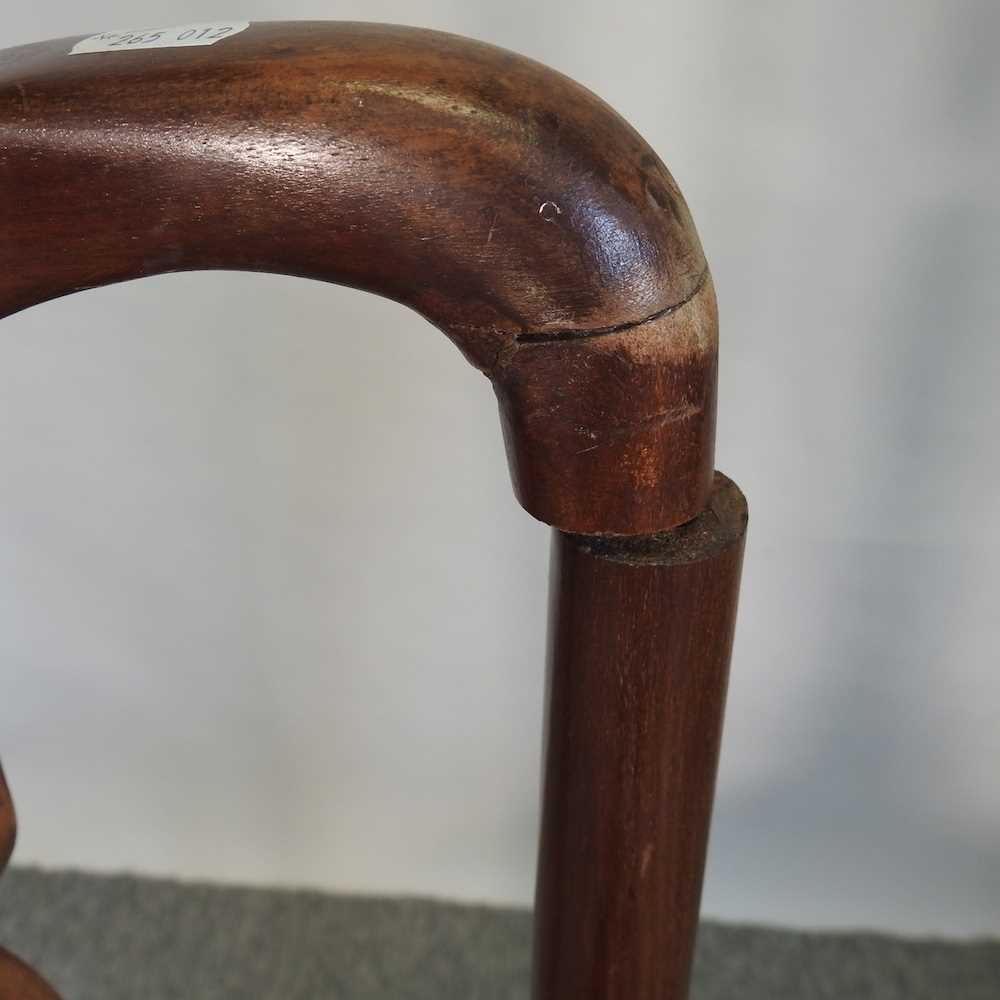 A set of four early 20th century Queen Anne style dining chairs - Image 2 of 9