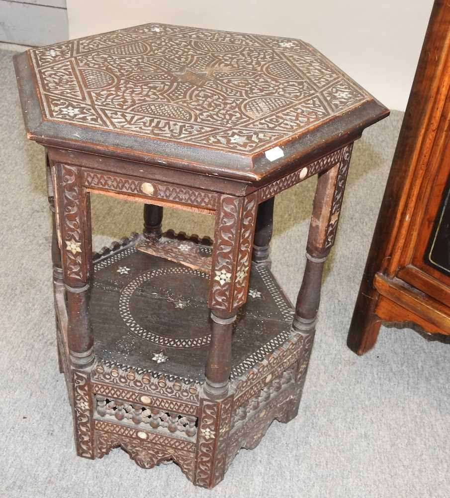 A modern Chinese hardwood cabinet - Image 8 of 10