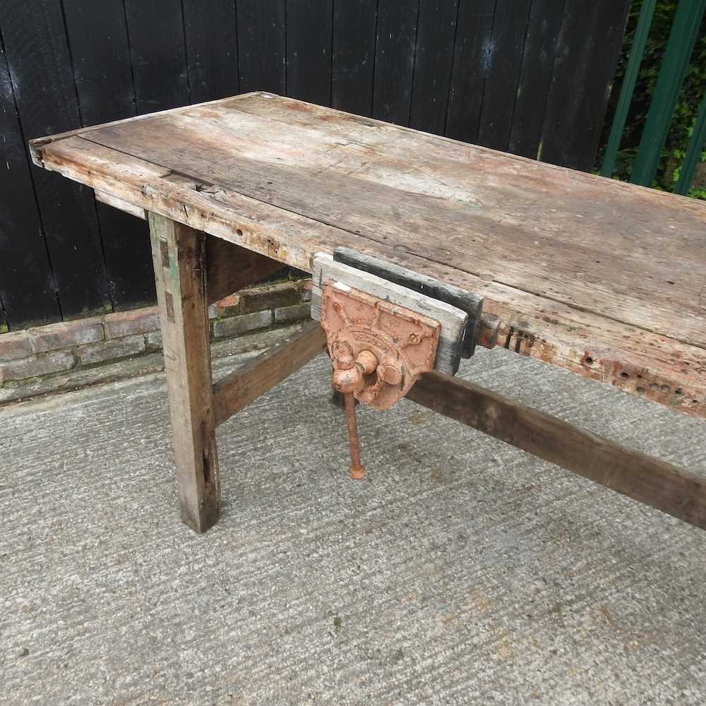 A wooden work bench - Image 4 of 4
