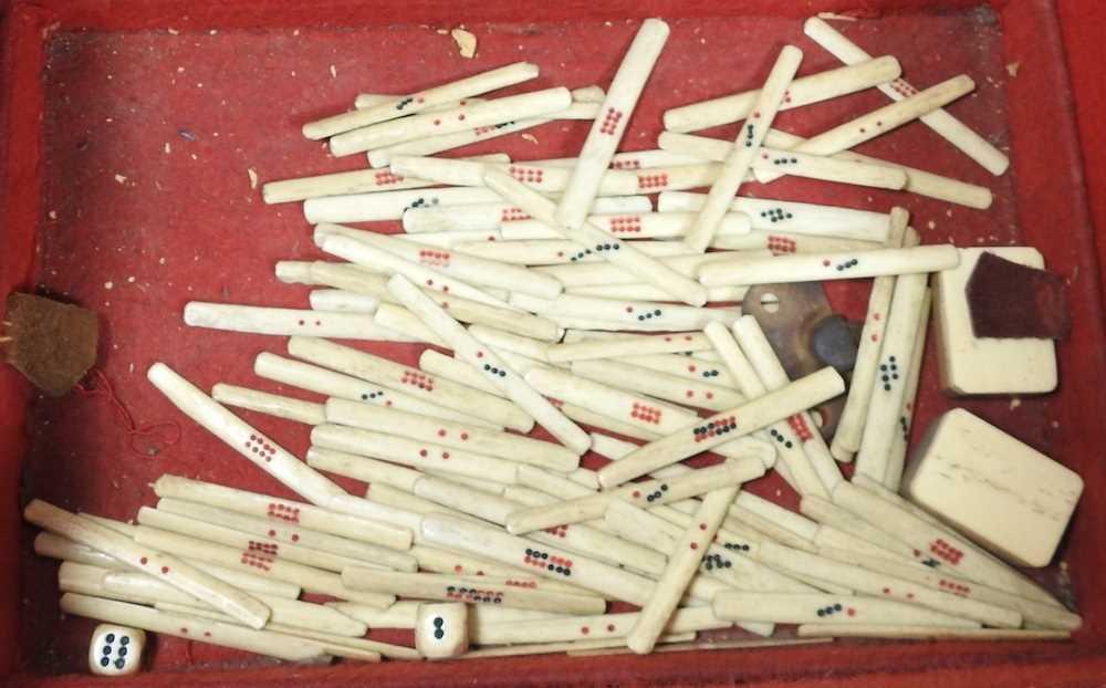 A vintage mahjong set - Image 7 of 12