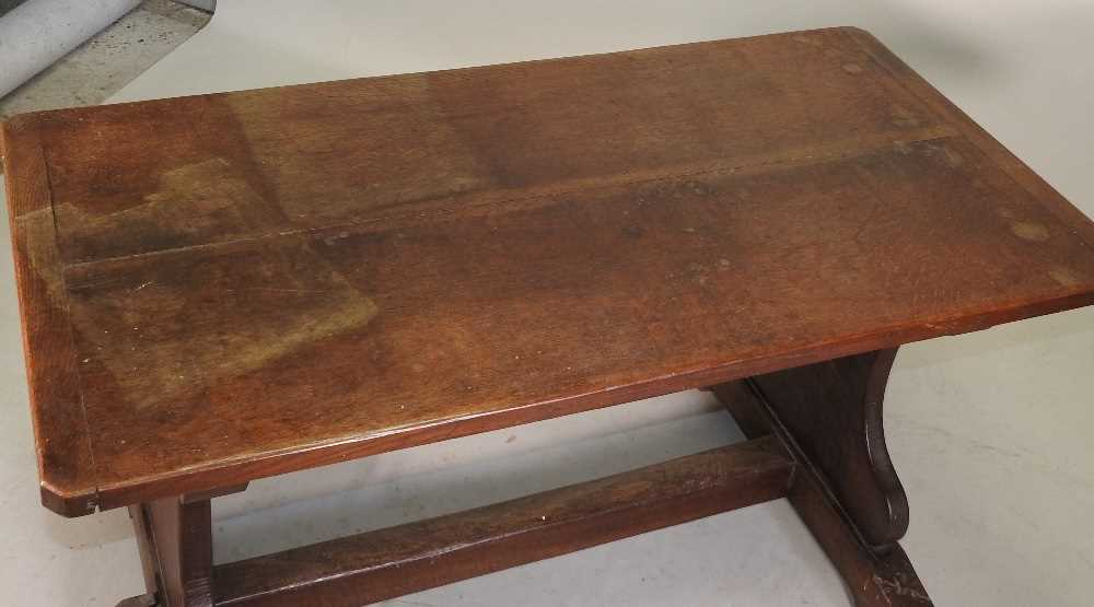 A late 19th century oak refectory table - Image 4 of 8