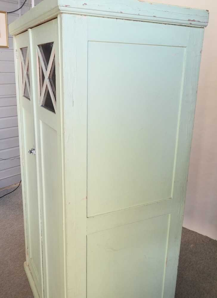 An early 20th century green painted French armoire - Image 4 of 8