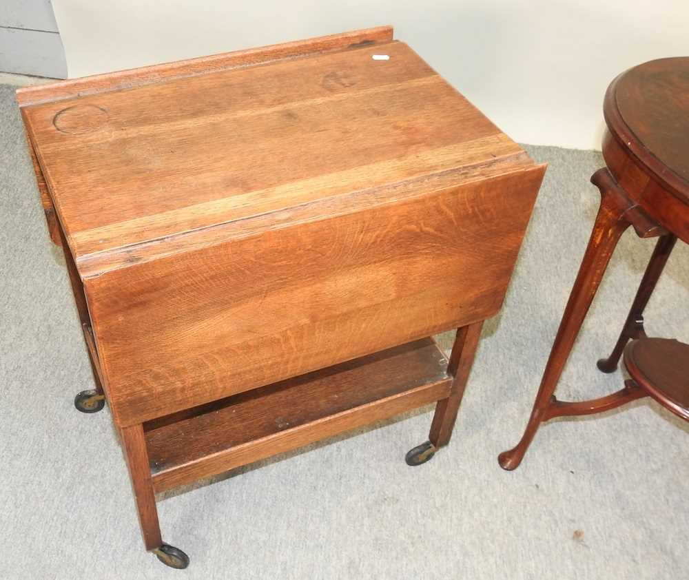 An Edwardian mahogany two tier occasional table - Image 5 of 8