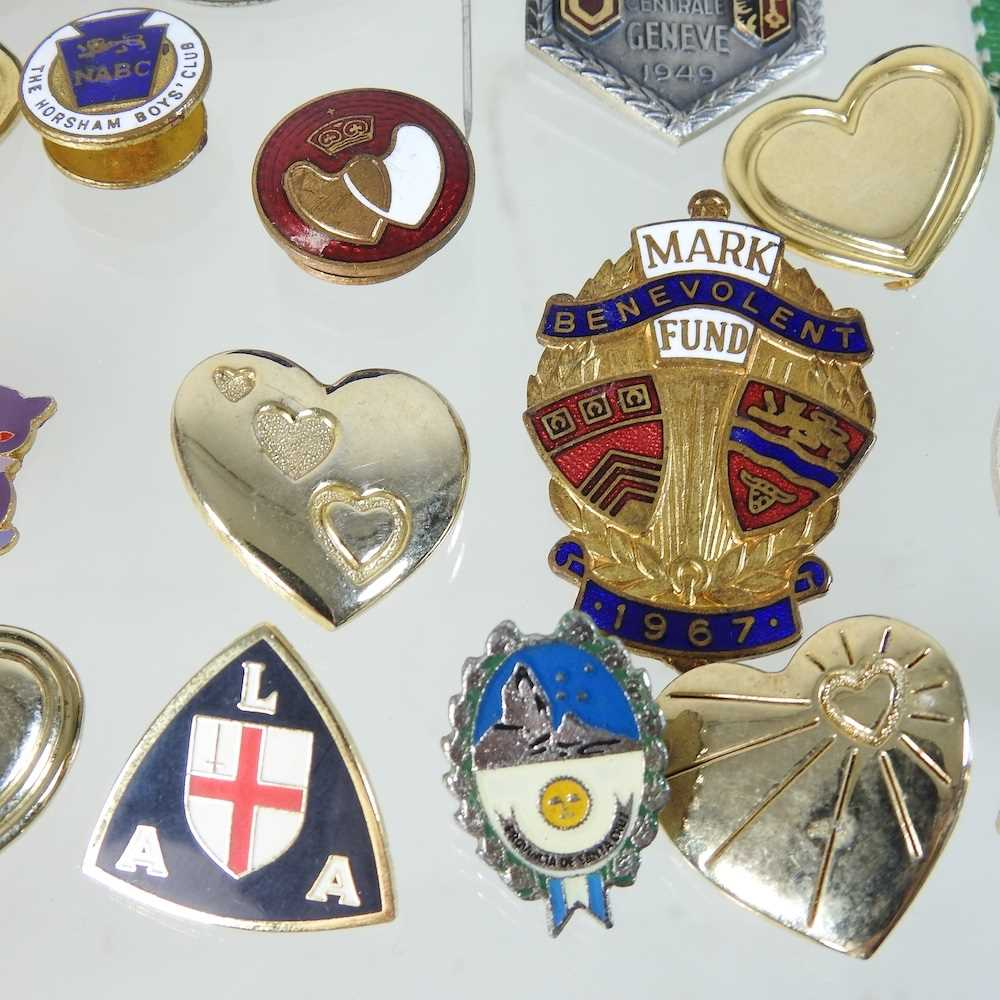 A collection of badges - Image 6 of 6