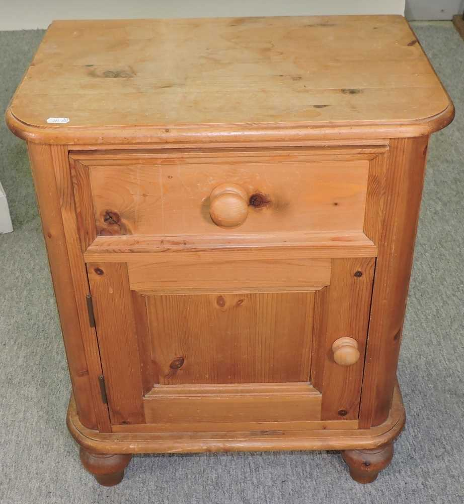 A white painted pine desk - Image 6 of 9