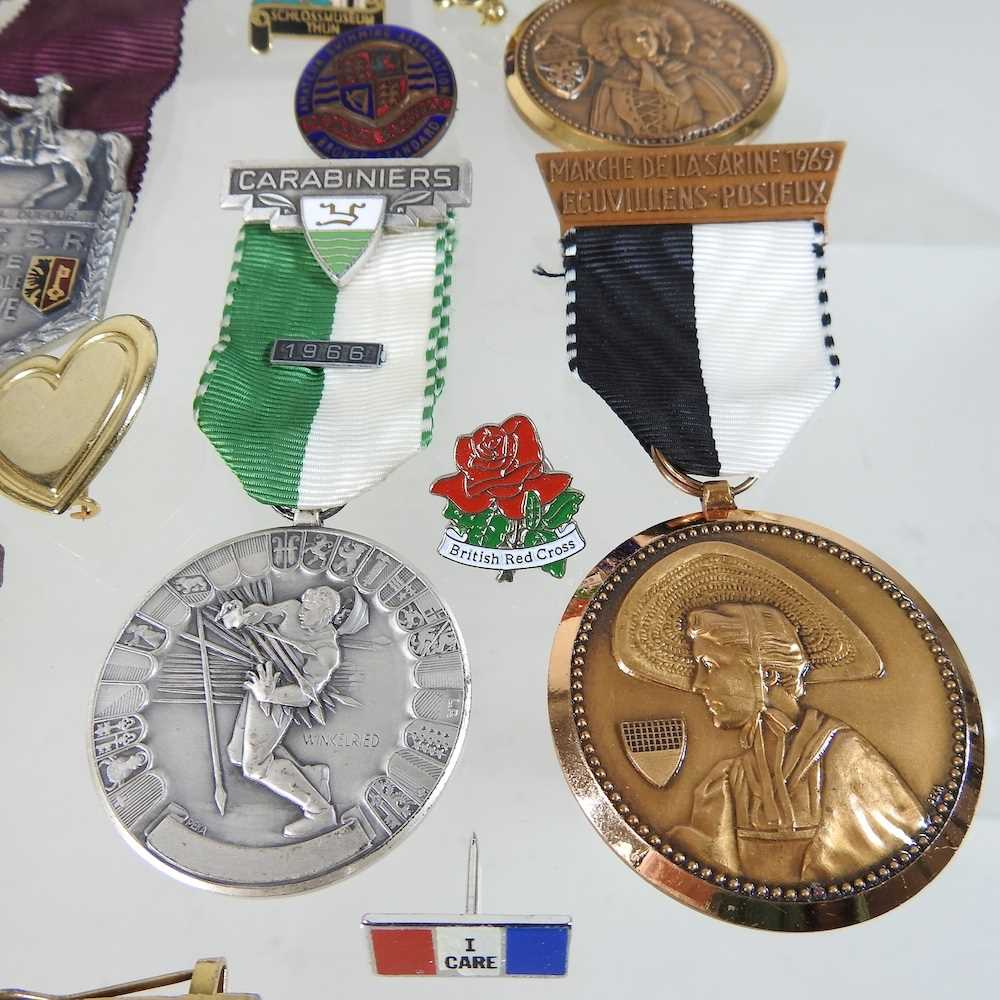A collection of badges - Image 3 of 6