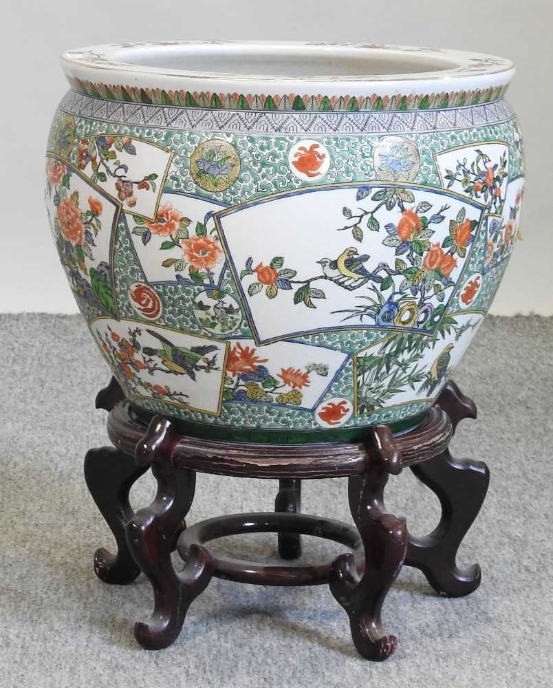 A 20th century Chinese famille verte porcelain fish bowl - Image 2 of 9