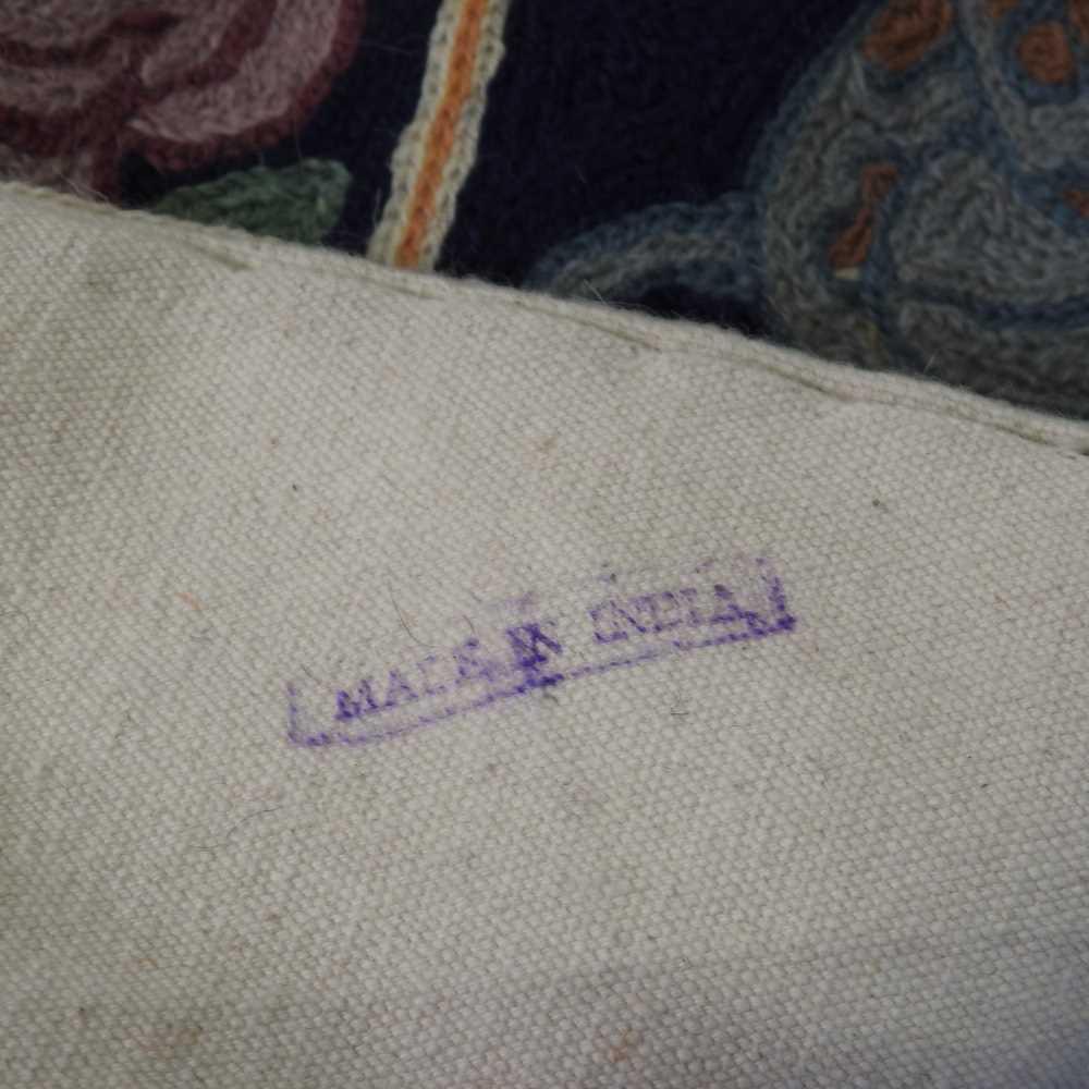 A woollen prayer rug - Image 2 of 9