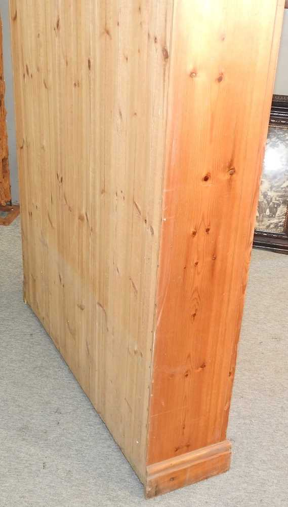 A mid 20th century pine cabinet - Image 2 of 9