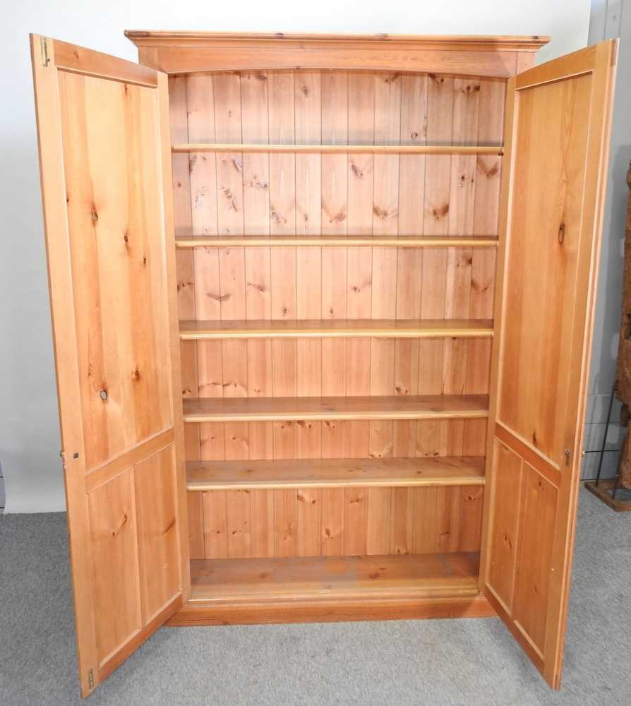 A mid 20th century pine cabinet - Image 8 of 9