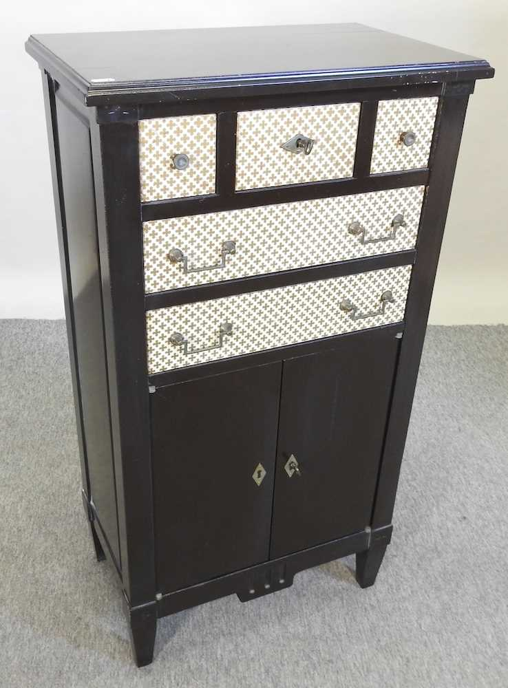 A modern black and white narrow cabinet - Image 4 of 6