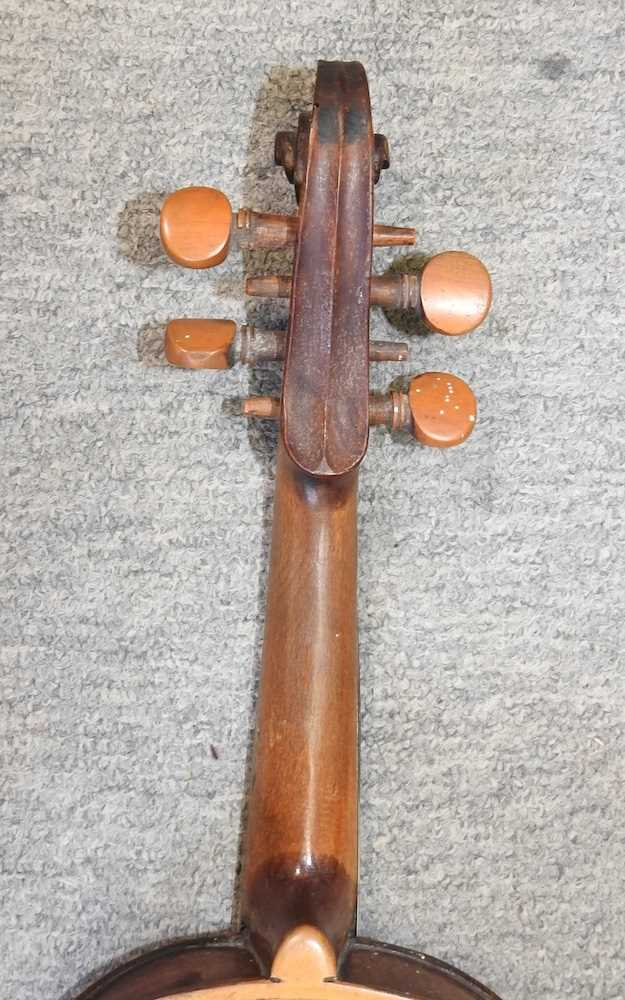 A violin and bow - Image 7 of 8