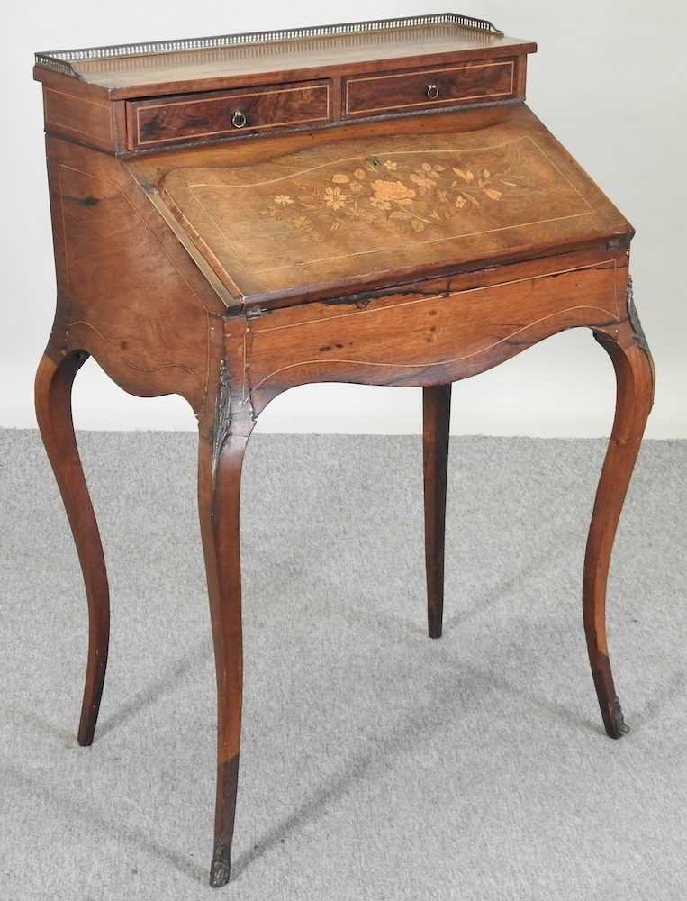 A late 19th century French style marquetry bureau de dame - Image 3 of 8