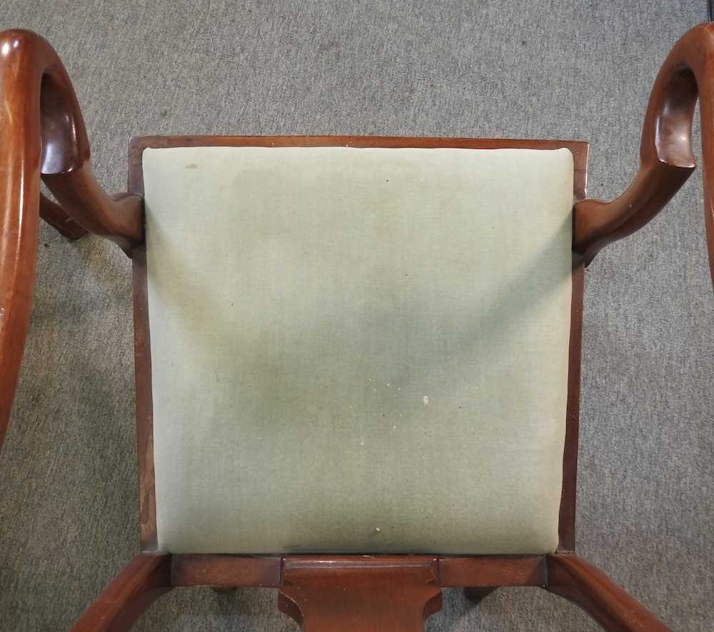 A set of four early 20th century Queen Anne style dining chairs - Image 9 of 9