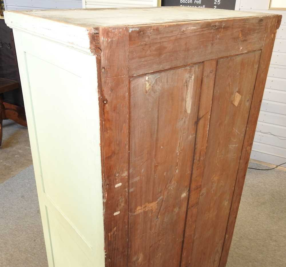 An early 20th century green painted French armoire - Image 6 of 8