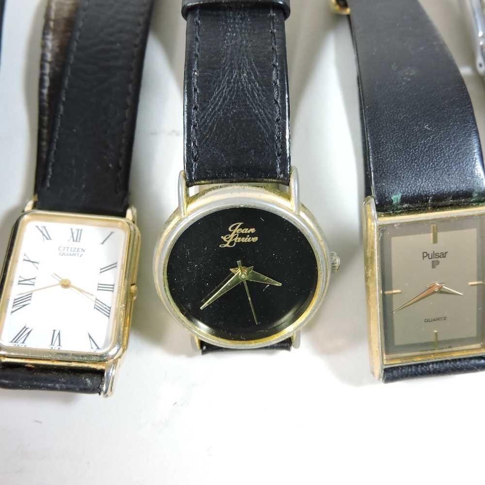 A Longines ladies wristwatch - Image 4 of 10