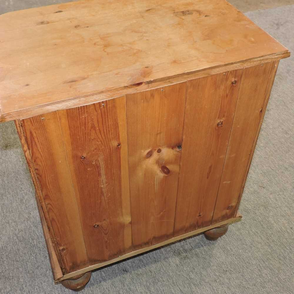 A white painted pine desk - Image 2 of 9