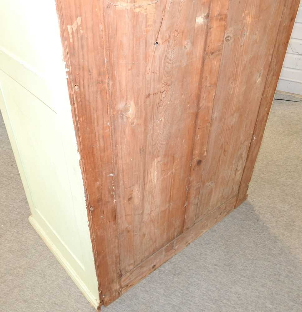 An early 20th century green painted French armoire - Image 5 of 8